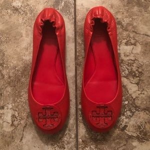 Tory Burch Size 10 Red Pebbled Leather Flats